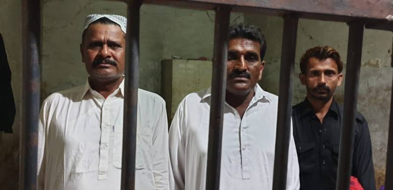 Sindh cops suspended for stealing, selling electricity pole