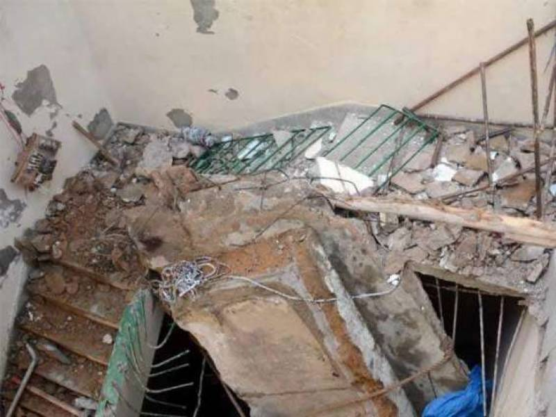 7 of a family killed in Tandlianwala roof collapse