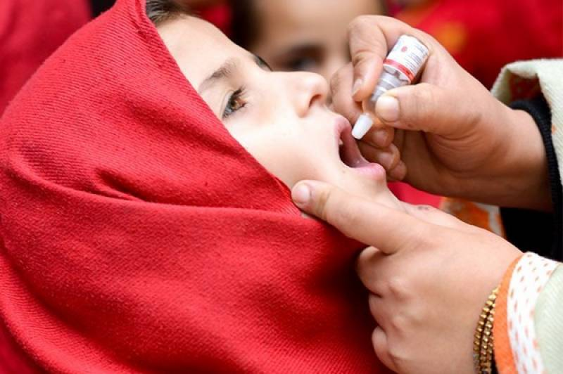Polio vaccination drive in selected areas continues in Pakistan