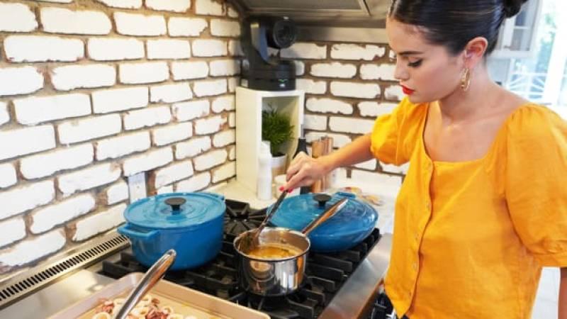 A sneak peek inside Selena Gomez's HBO cooking show