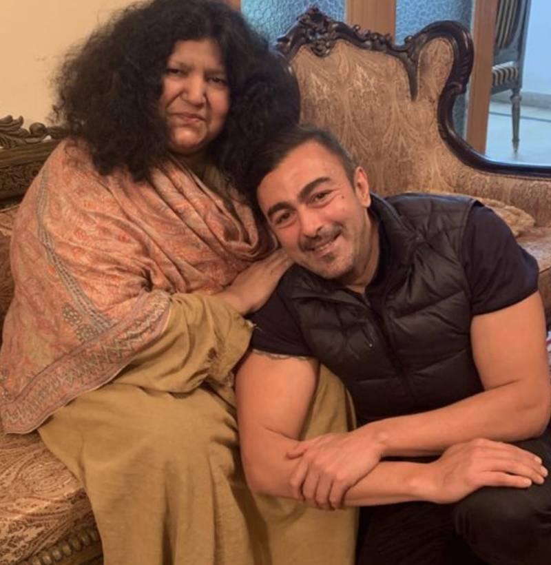 Shaan Shahid congratulates Abida Parveen on being honoured with Nishan-I-Imtiaz