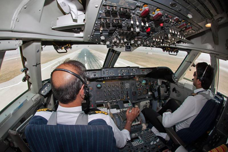 Two more pilots approach LHC against licenses' suspension