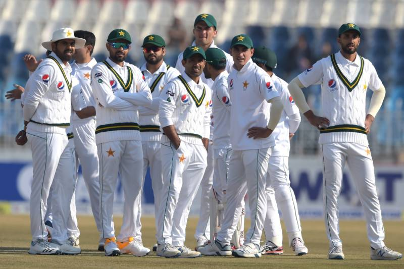 Pakistan face England in 3rd Test tomorrow