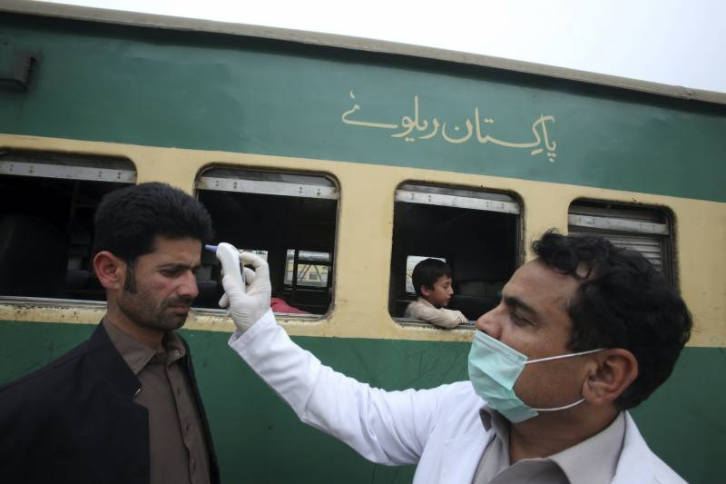 Total active COVID-19 cases plunge to 8,987 in Pakistan