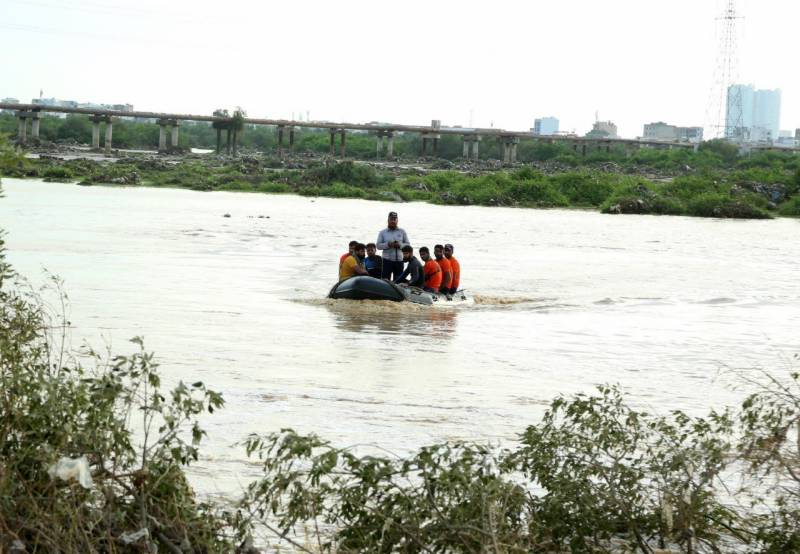 200 families rescued from monsoon floods in Karachi