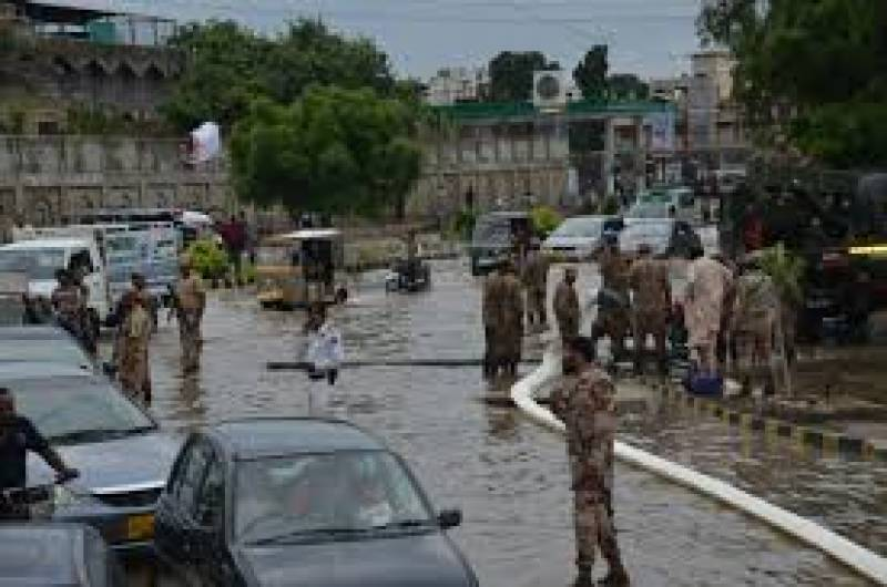 Pak Army, Navy and Rangers busy relief and rescue operations in Karachi