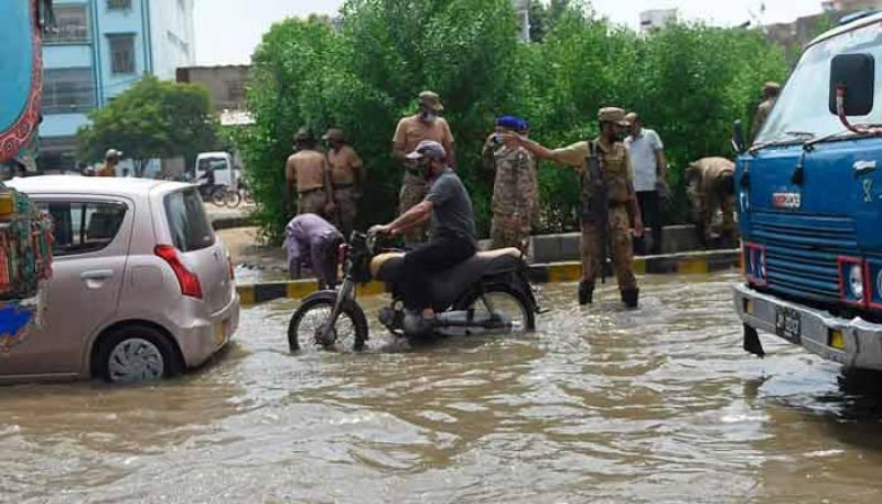 Pakistan Army troops restoring traffic flow in rain-hit Karachi amid relief efforts