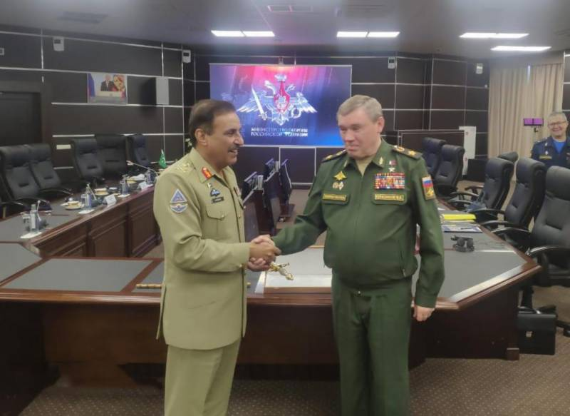 Top Russian general lauds professionalism of Pakistan Armed Forces
