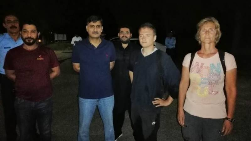 Islamabad police rescue Hungarian diplomats who lost their way in Margallas
