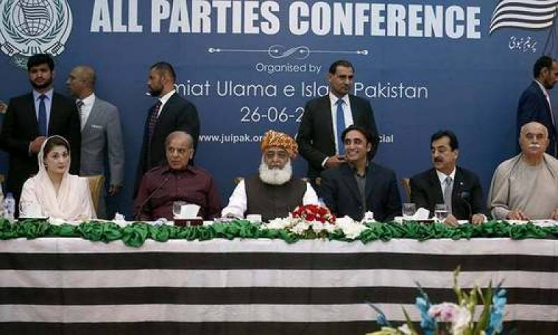 """Opposition announces Pakistan Democratic Movement against """"selected"""" PTI government"""