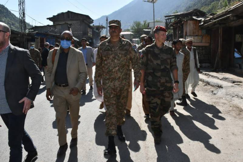 Foreign delegates, diplomats & defence attachés back Pakistan's stance on Kashmir during LoC visit