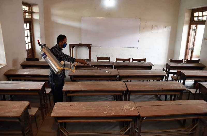 Balochistan suggests delay in reopening schools amid rising COVID-19 infections