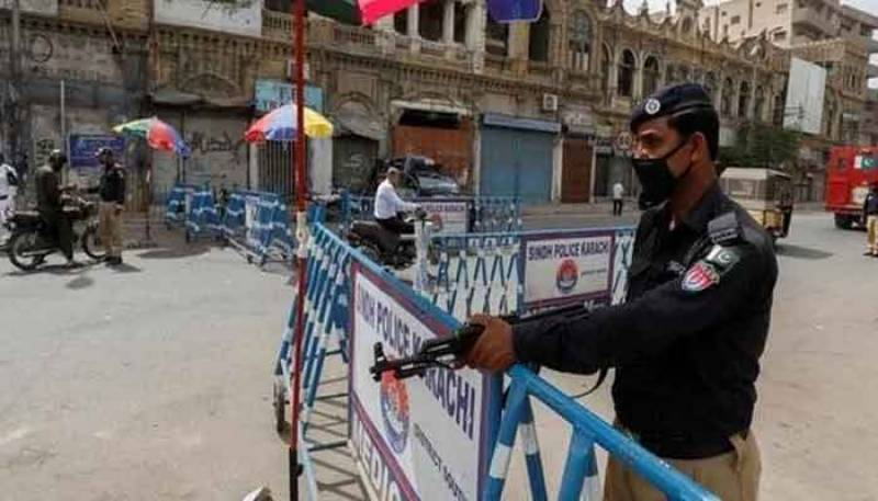 Mini smart lockdown imposed in parts of Karachi after Covid-19 spike