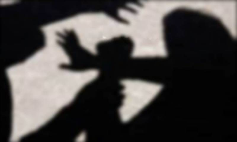 Woman waiting for bus abducted, gang-raped near Lahore