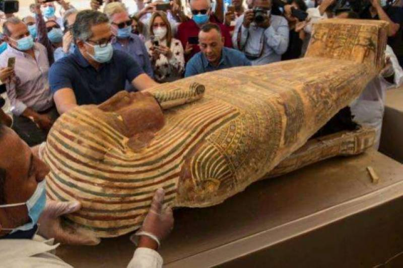 Egypt unveils coffin buried hundreds of years ago