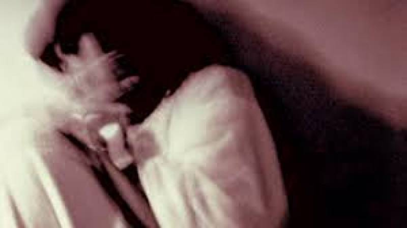 Guests gang-raped woman while husband went to buy refreshments in Hasilpur