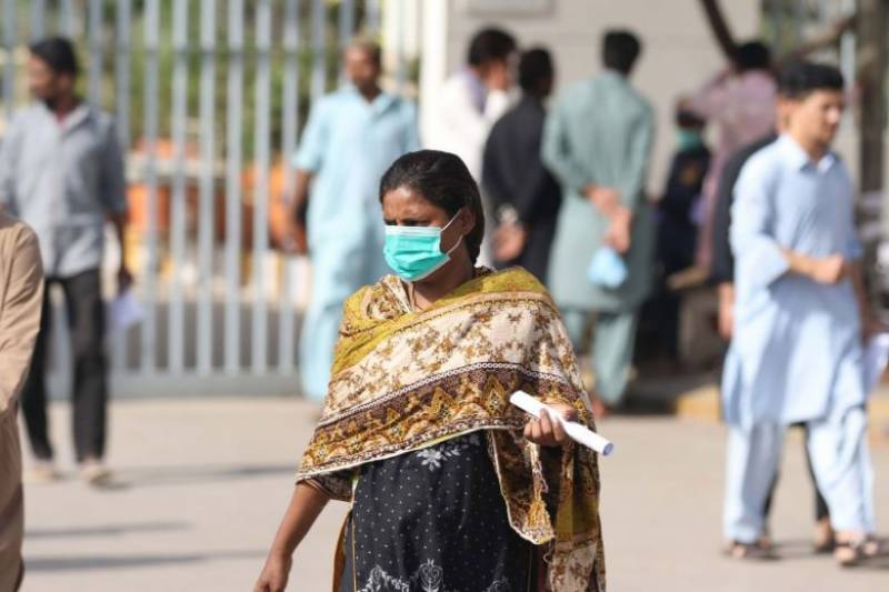 Pakistan reports 10 new deaths, 385 cases of COVID-19