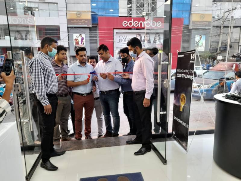 Samsung opens first official brand shop in Faisalabad