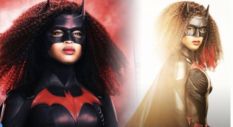 'Batwoman' star Javicia Leslie poses in new superman suit