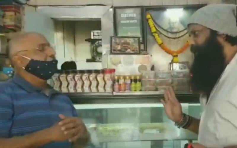 Hindu leader forces Karachi Sweets to rename Indian bakery (VIDEO)