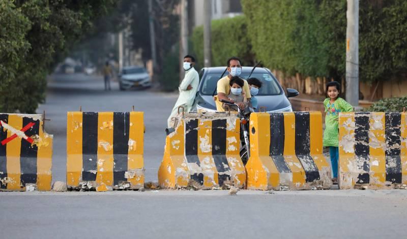 Smart, micro lockdowns imposed in Karachi districts amid COVID-19 resurgence