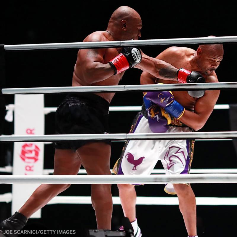 Mike Tyson vs Roy Jones (Result & unofficial stats)