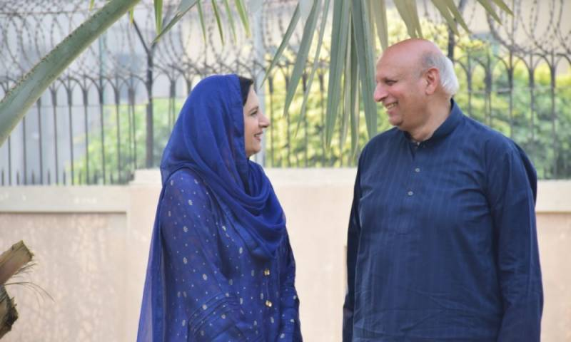 Punjab governor, wife volunteer for COVID-19 vaccine trial