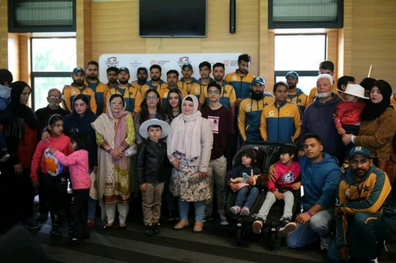 Team Pakistan spends time with Christchurch attack victim families (VIDEO)