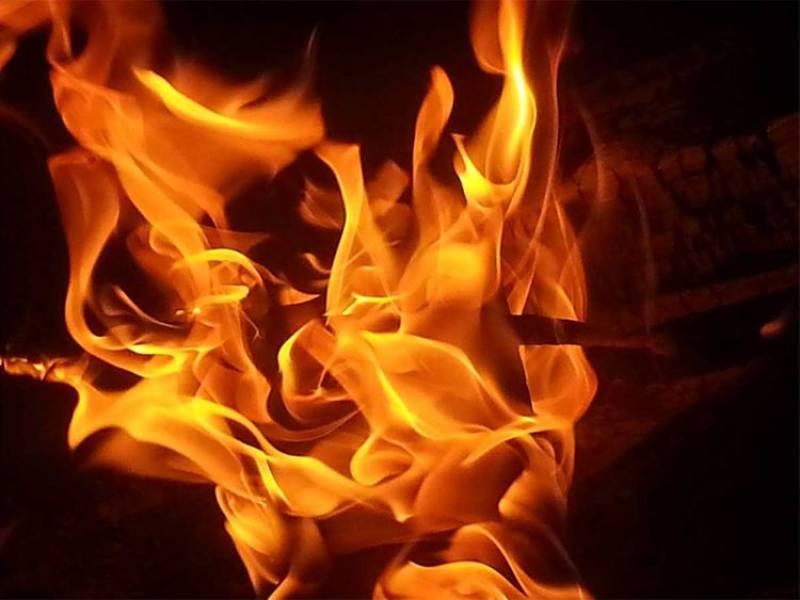 Two minor girls set on fire by 3 men in Muzaffargarh