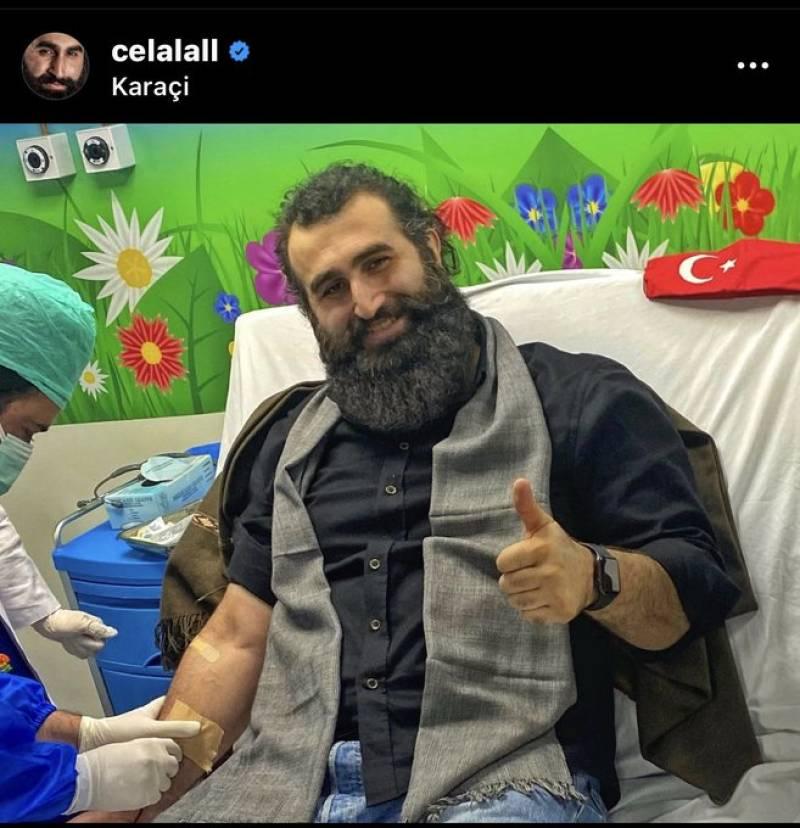 Ertuğrul's Celal AL donates blood for Pakistani child patients