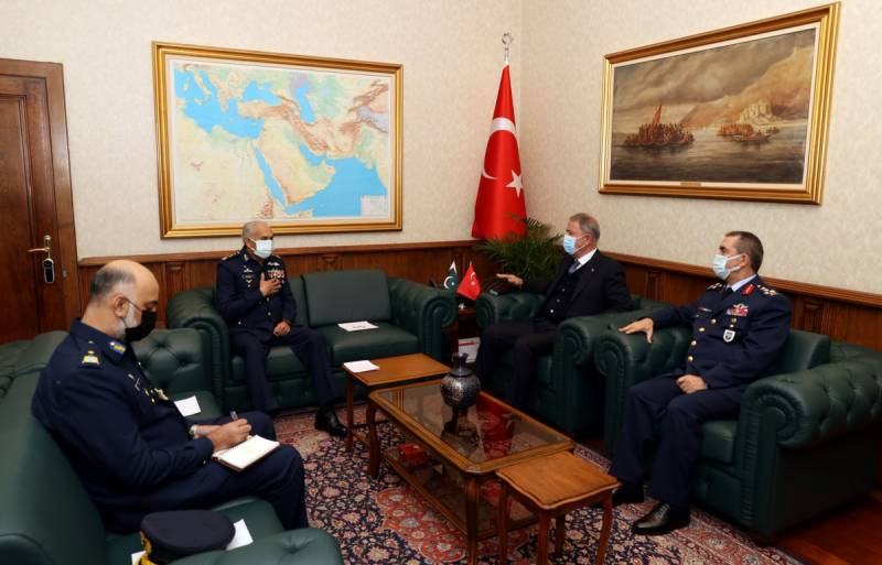 Pakistan Air Force chief vows to boost cooperation with Turkey