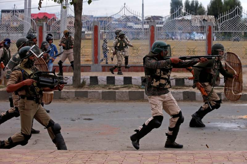 UK pushes India to end all curbs in occupied Kashmir