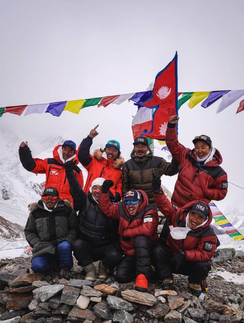#K2Winter2021 – Nepali Sherpas break winter record to climb 'savage mountain'