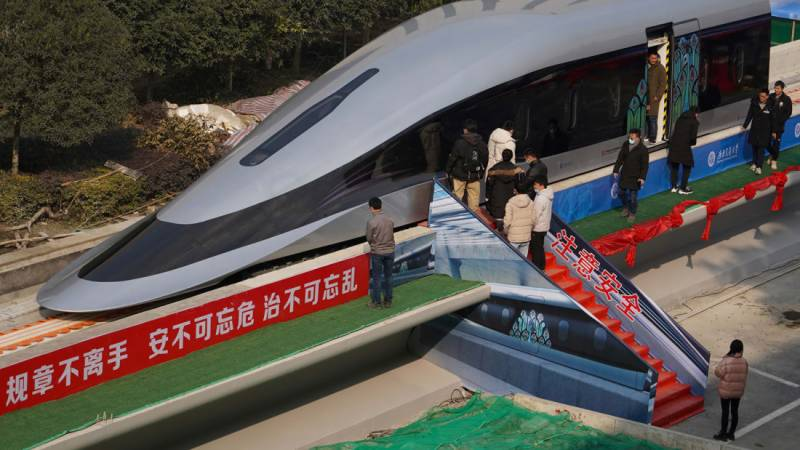 China unveils super-speed train prototype that hits 620 kph
