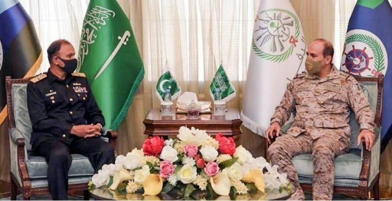 Pakistan Navy chief Admiral Amjad Khan visits Saudi Arabia, meets heads of armed forces