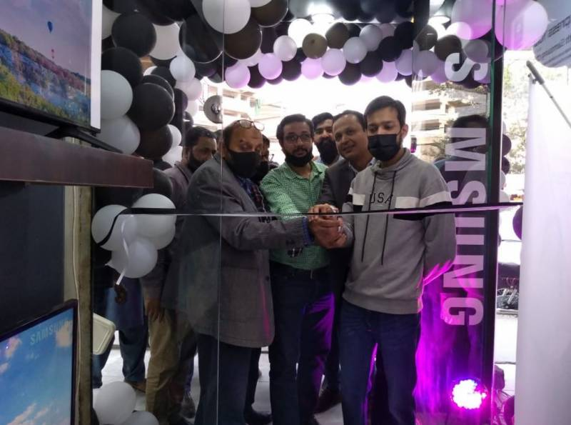 Samsung launches Official Brand Shop in Karachi
