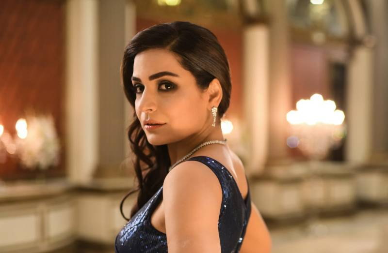 Meera fumbles again while introducing herself in English (VIDEO)