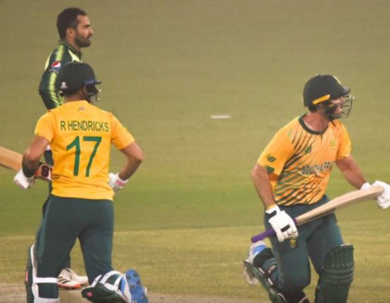 #PAKvSA – South Africa defeat Pakistan by 6 wickets in second T20I