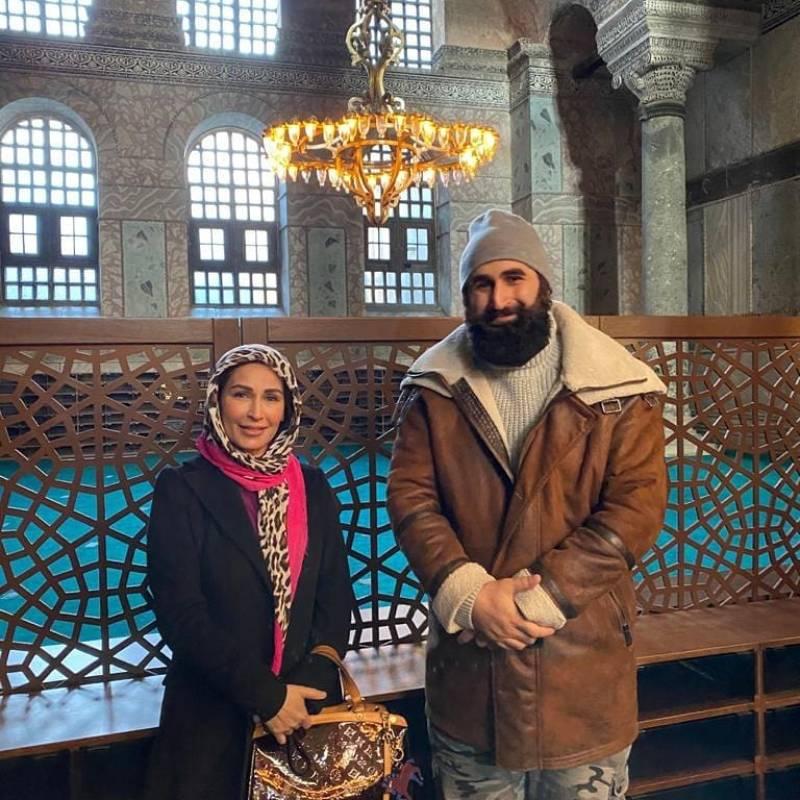 WATCH | Ertugrul star Celal AL and Reema Khan sing Dil Dil Pakistan in Turkey