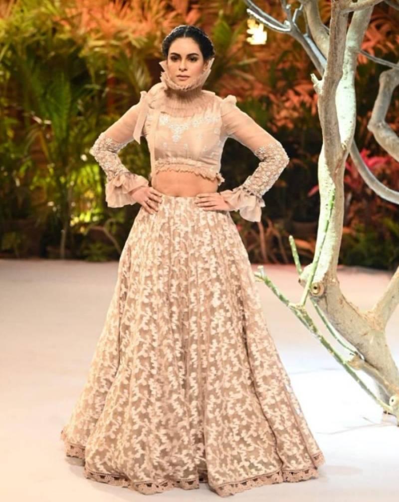 Neck brace or Hangman's knot? Amar Khan's fashion statement comes under scrutiny