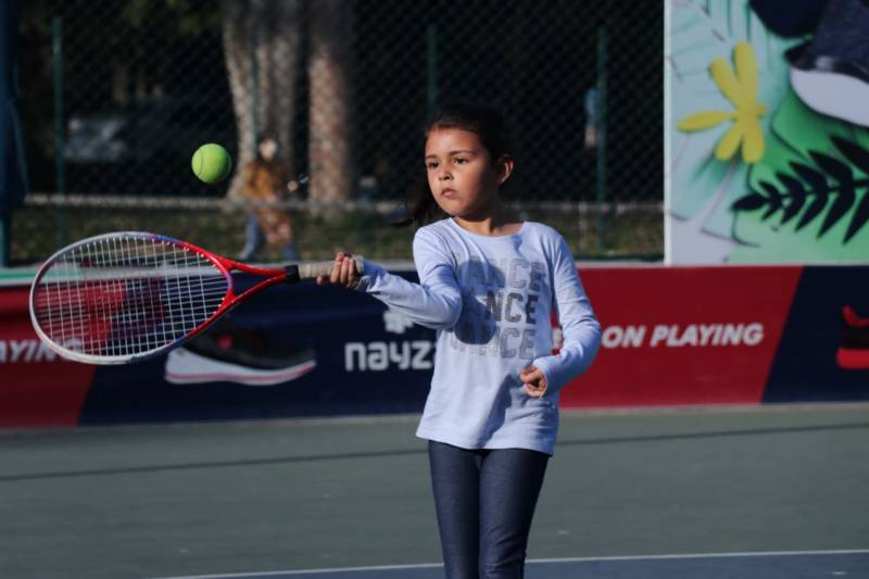 First round matches decided in Hush Puppies Junior National Tennis
