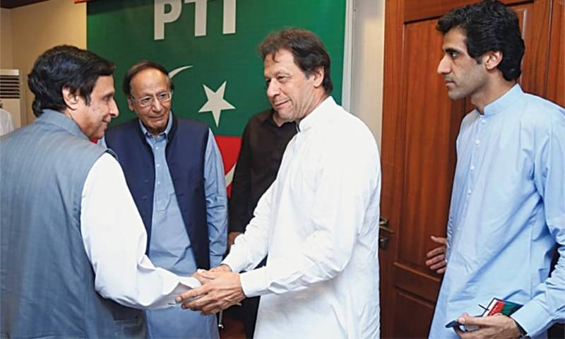 Twitter reminds PM Imran of his 'respect' for Chaudhry brothers as PTI allies express confidence ahead of NA vote