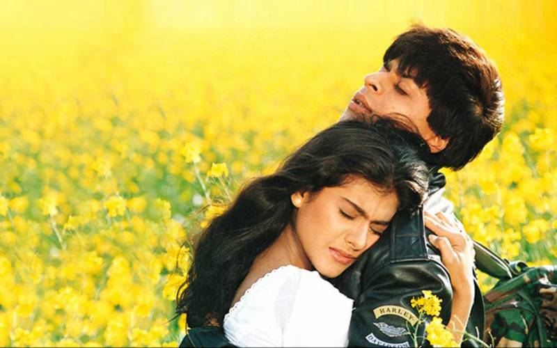 Dilwale Dulhania Le Jayenge - Two more goof-ups from the timeless film spotted by the audience