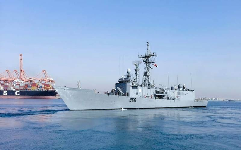 PASSEX – Pakistan, Oman navy ships hold joint naval exercise