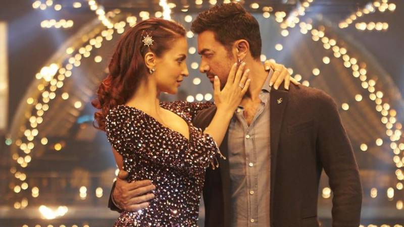 Aamir Khan and Elli Avram's Har Funn Maula sets social media on fire (VIDEO)