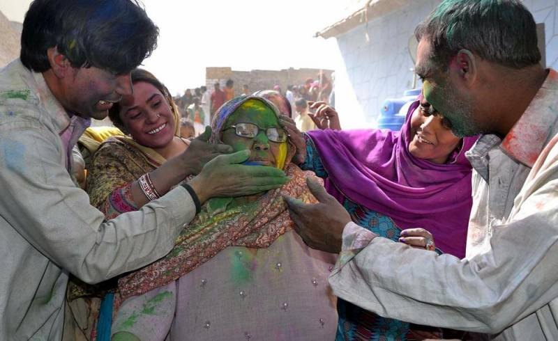 Hindus celebrate Holi in Pakistan