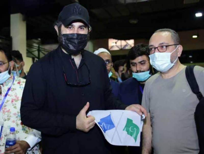 Ertugrul star wins hearts for spearheading Karachi blood donation drive