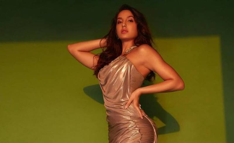 Nora Fatehi sets the dance floor on fire at Filmfare Awards 2021