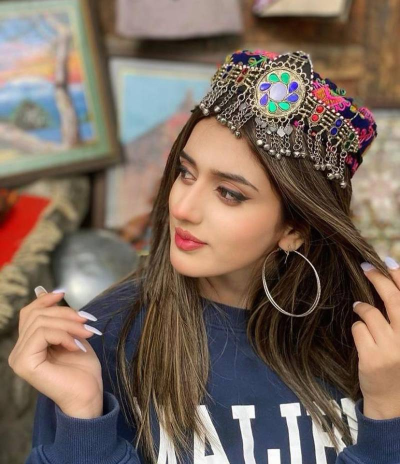 Jannat Mirza is giving us major holiday goals with her latest pictures