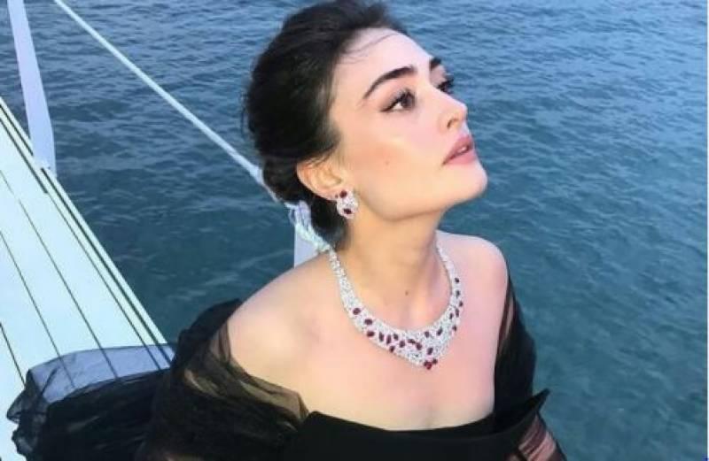 Ertugrul star Esra Bilgic's new dance video goes viral